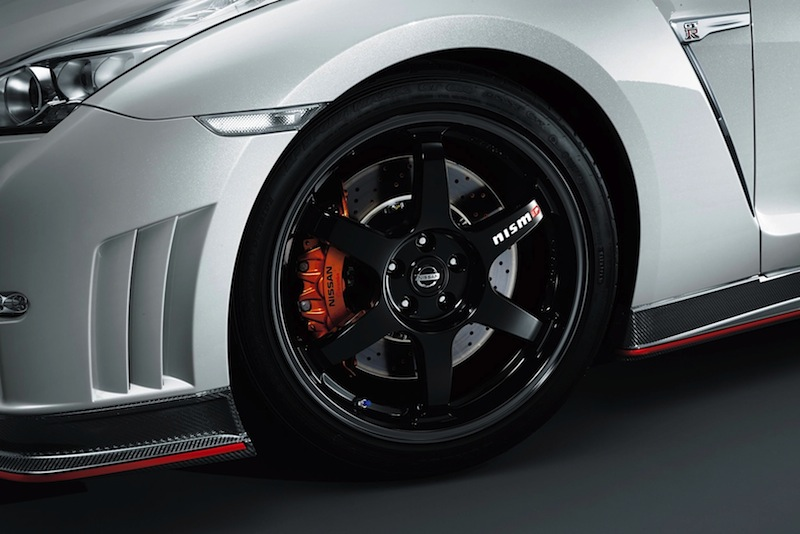 600-hp-nissan-gt-r-nismo-officially-reveal-photo-gallery-1080p-5