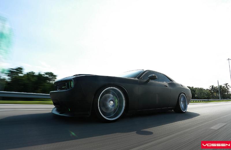 dodge-challenger-srt8-rides-on-vossen-wheels-videophoto-gallery_2
