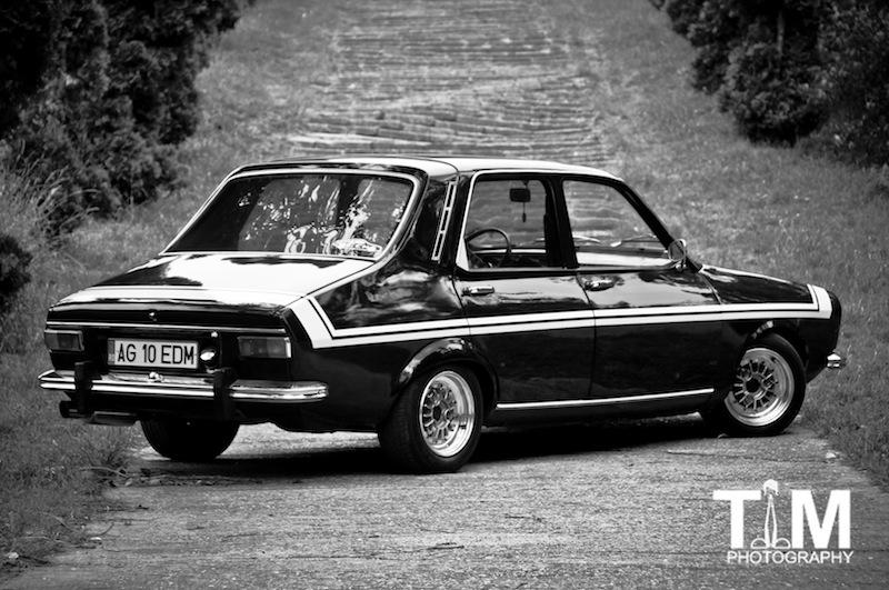 Dacia 1300 aka R12 Gordini Black Beauty arrièreet profil