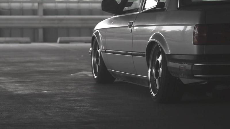 DLEDMV_BMW_E30_coupé_Simplement_002