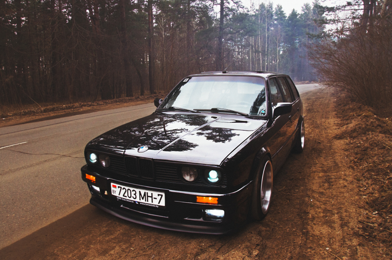 DLEDMV_BMW_E30_Touring_Swap_V8_001