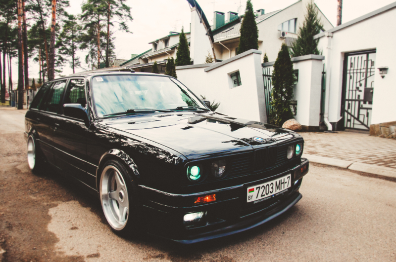 DLEDMV_BMW_E30_Touring_Swap_V8_006