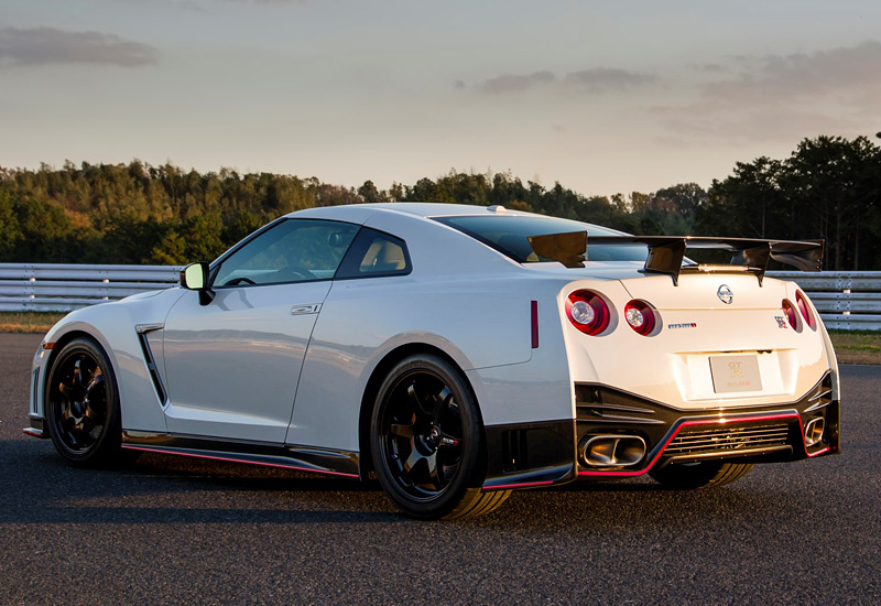DLEDMV_Nissan_GT-R_Nismo_WillowSprings_002