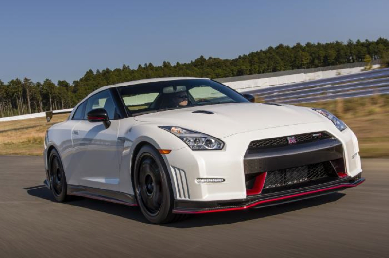 DLEDMV_Nissan_GT-R_Nismo_WillowSprings_004