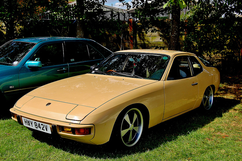 DLEDMV_Porsche_924_Low&Slow_10