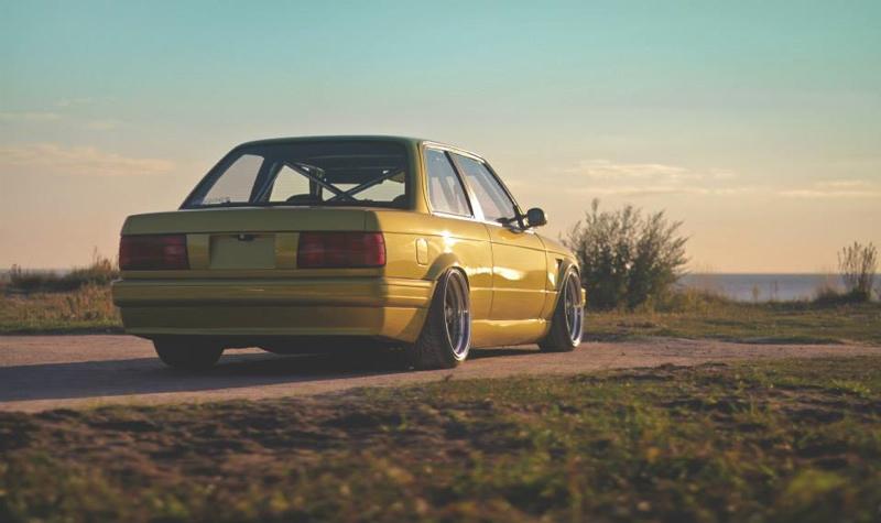 DLEDMV BMW 320i E30 Millenium Stance01