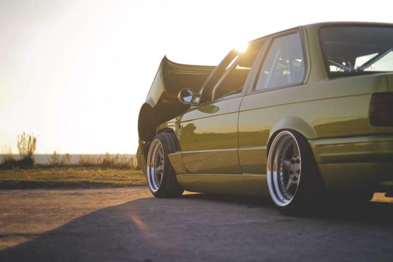 DLEDMV BMW 320i E30 Millenium Stance10