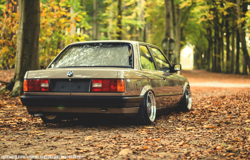 DLEDMV BMW Série 3 E30 BBS + Airlift 007