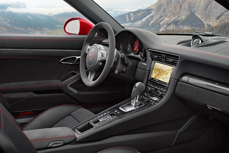 DLEDMV Porsche 911 Targa 4 GTS Detroit 002