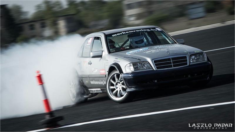 DLEDMV Mercedes classe C W202 swap V12 11