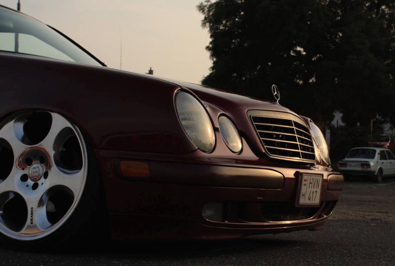 DLEDMV Mercedes S210 Bagged & Brabus 08