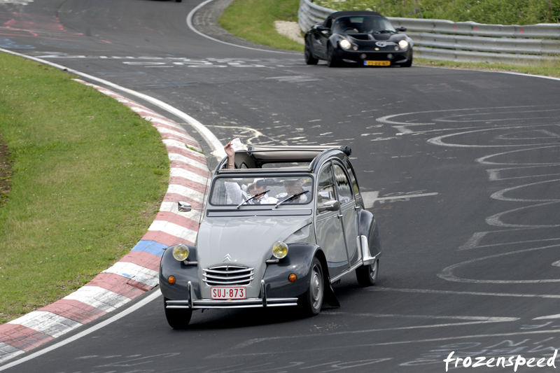 DLEDMV Nurburgring The Green Hell 2CV