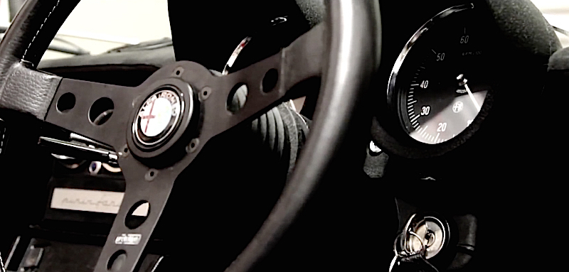 DLEDMV Alfa Spider vs Porsche 911T01