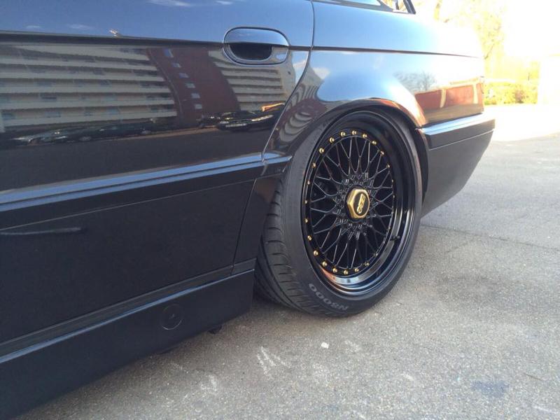 DLEDMV - BMW E38 Full Black Voolium 02