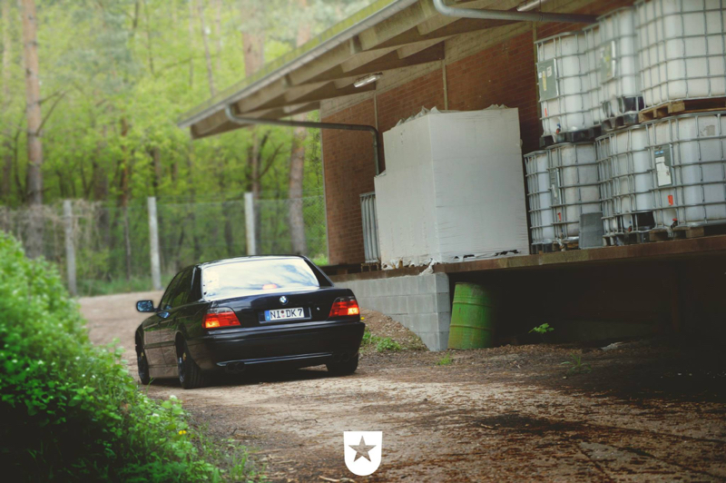 DLEDMV - BMW E38 Full Black Voolium 04