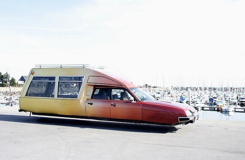 DLEDMV - flying wheelless cars 02