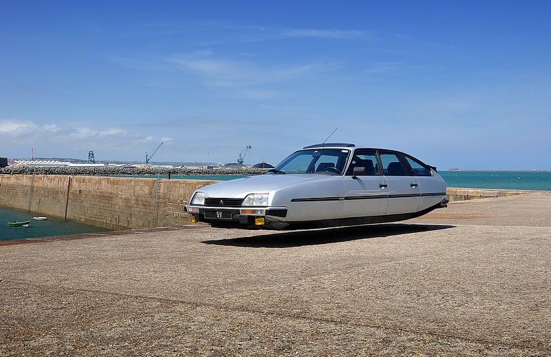 DLEDMV - flying wheelless cars 09