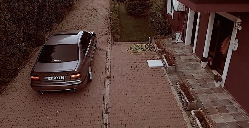 DLEDMV - BMW M5 E39 Blue Wheels - 01