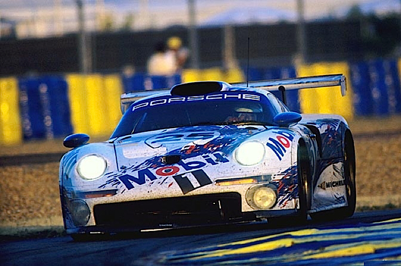 Race Battle : Le Mans 96 - McLaren F1 GTR vs Porsche 911 GT1 3