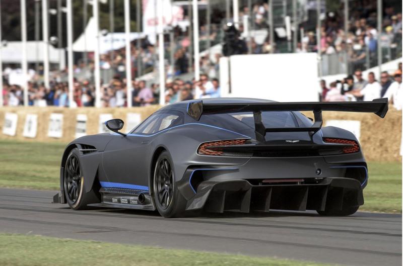 DLEDMV - Aston Martin Vulcan on track - 02