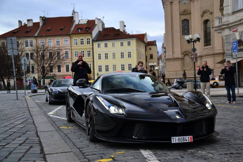 DLEDMV Black Laferrari Prague 03