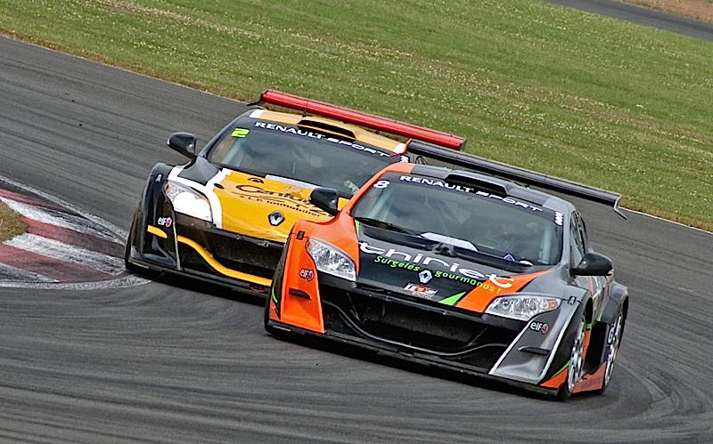 DLEDMV - Renault Megane V6 Trophy - 02