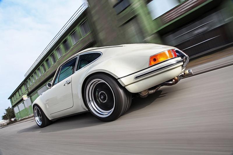 DLEDMV - Porsche 911 Kaege Restomod - 25