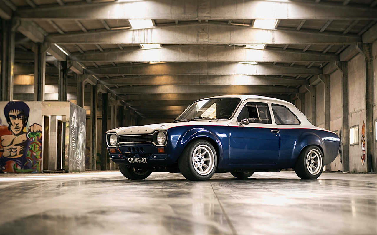 Mon garage perso Z-DLEDMV-Ford-Escort-RS2000-R-Donuts-12