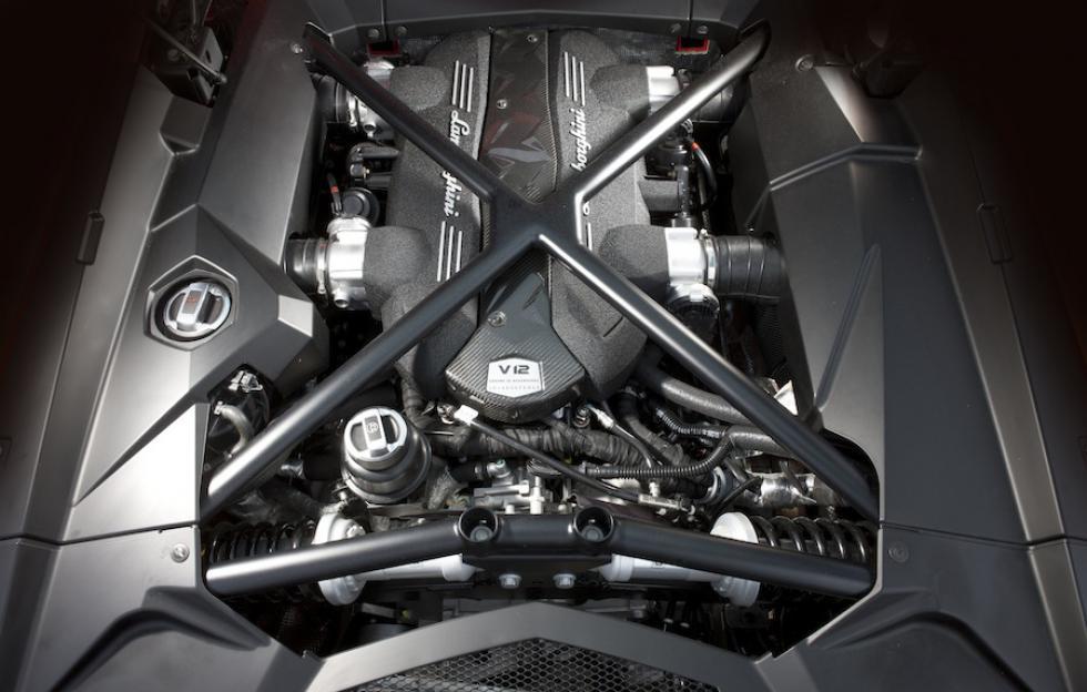 DLEDMV - V12 Engine sound - 04