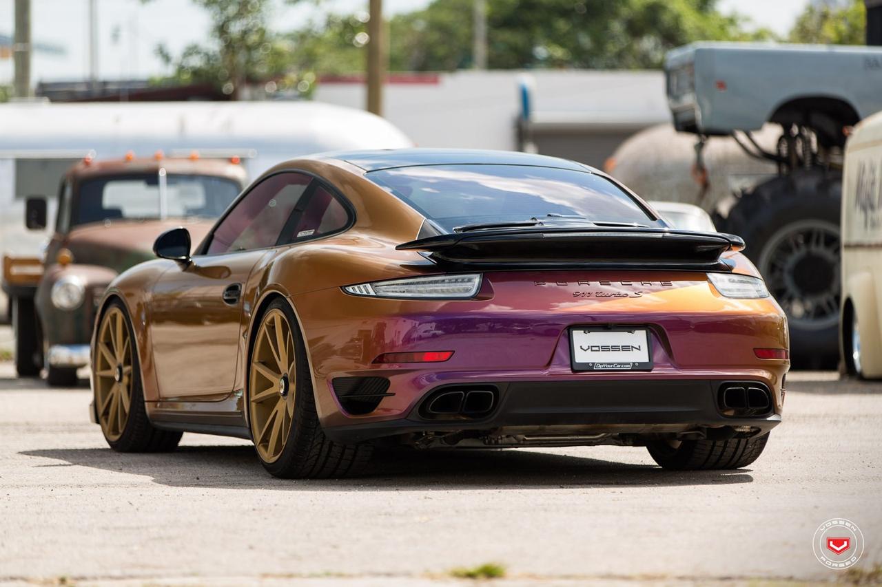 DLEDMV - Porsche 911 Turbo S Vossen cameleon  - 04