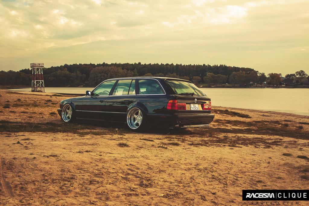 DLEDMV - BMW E34 Touring Slammed - 06
