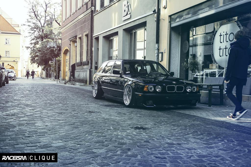 DLEDMV - BMW E34 Touring Slammed - 08