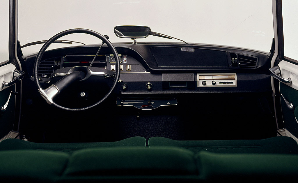 DLEDMV - Citroen DS Road Trip interieur - 01