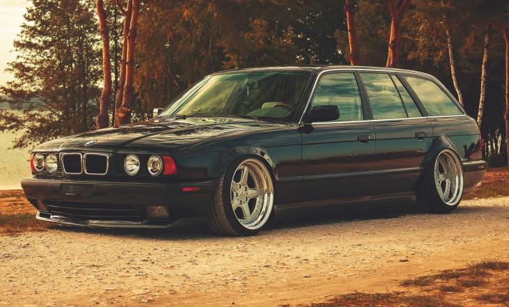 z DLEDMV - BMW E34 Touring Slammed - 19