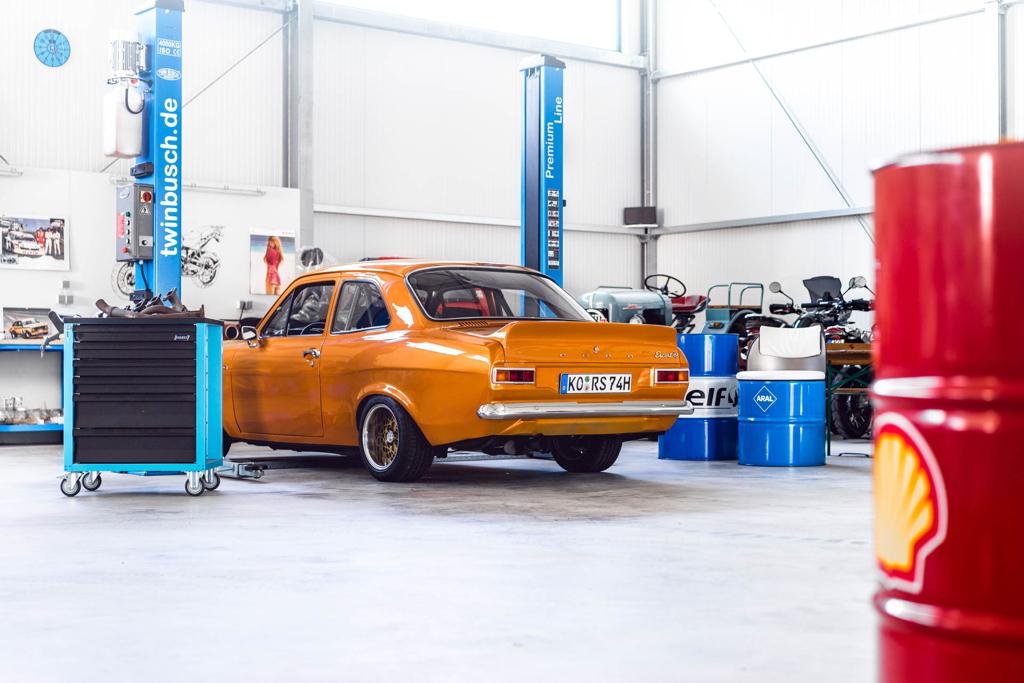 DLEDMV - Ford Escort RS2000 MK1 Restomod -01