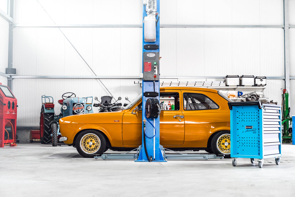 DLEDMV - Ford Escort RS2000 MK1 Restomod -09