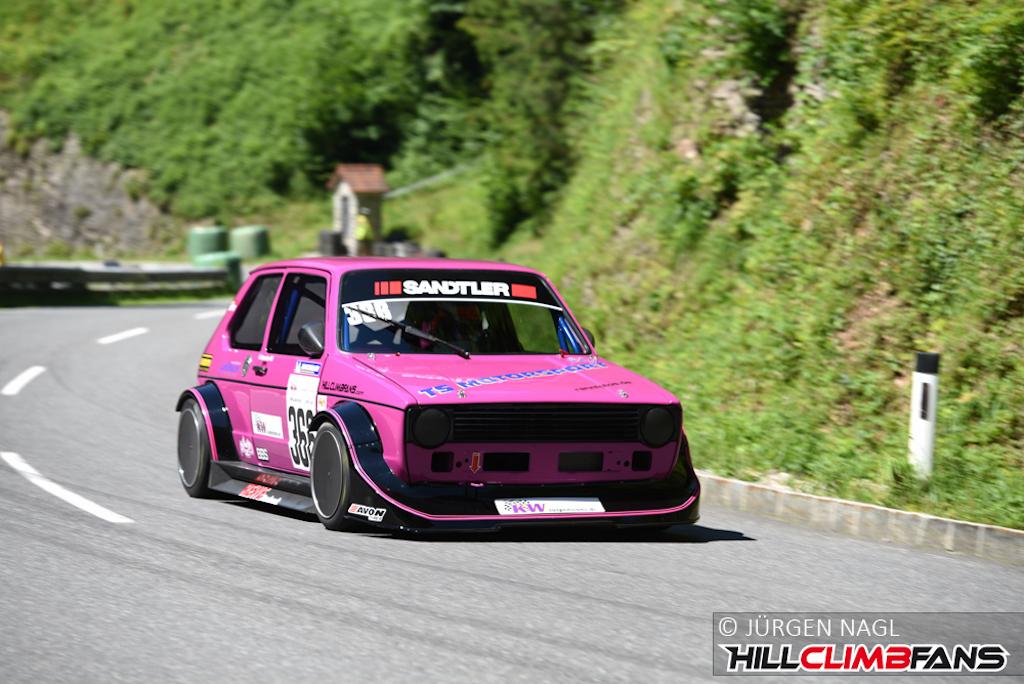dledmv-pink-vw-golf-mk1-hillclimb-05