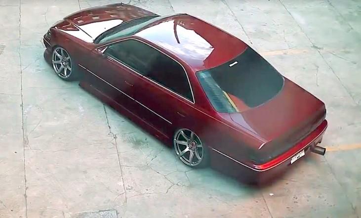 z-dledmv-toyota-chaser-slammed-sedan-01