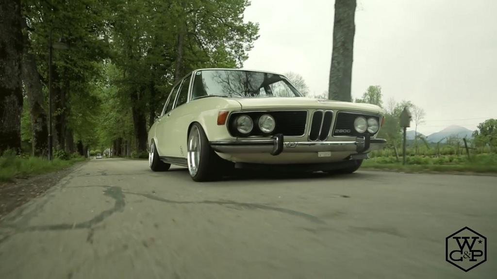 Bagged BMW 2800 E3 - Stance en blouse blanche ! 1