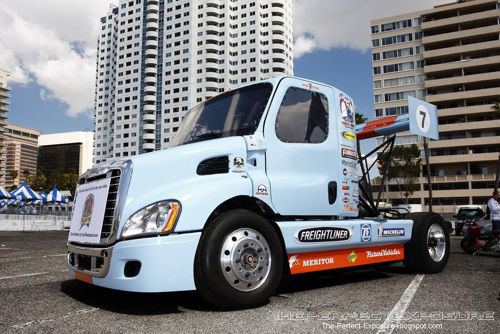 Size Matters... Drift XXL en Freightliner 9