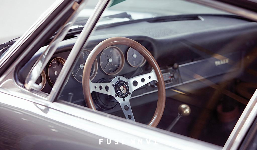 '68 Porsche 911 T Custom... London Outlaw ! 3