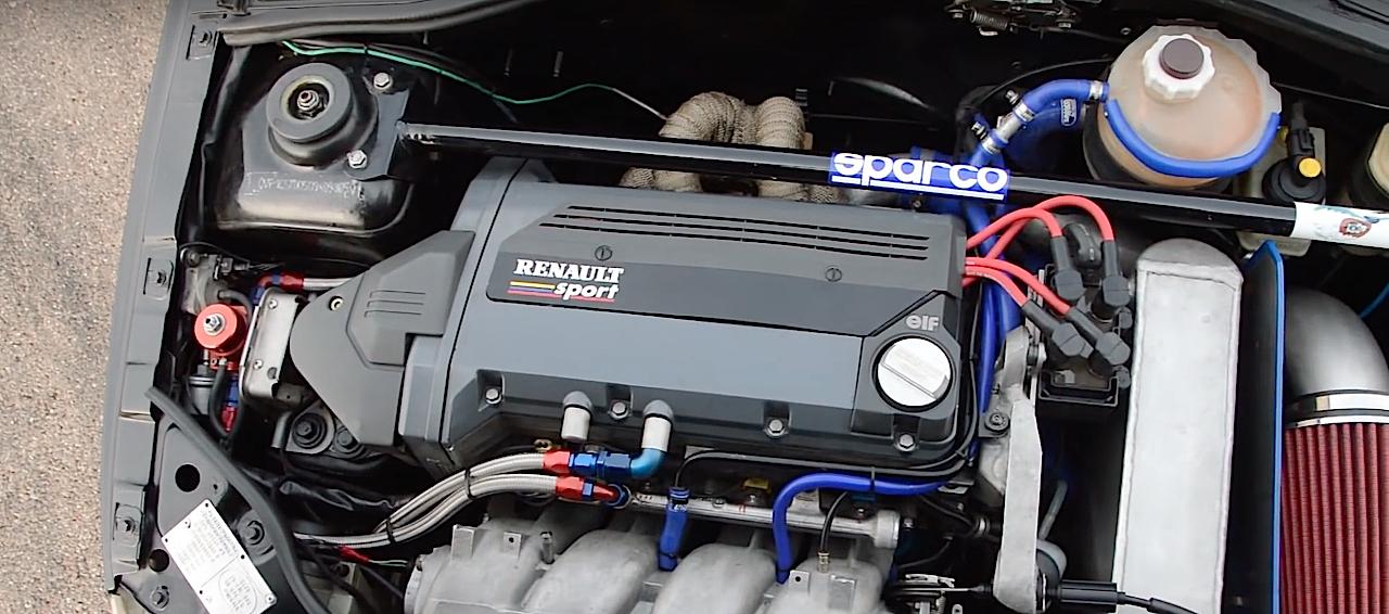Allez, un p'tit tour en Renault dans une Clio 16s turbo de 370 ch... 12