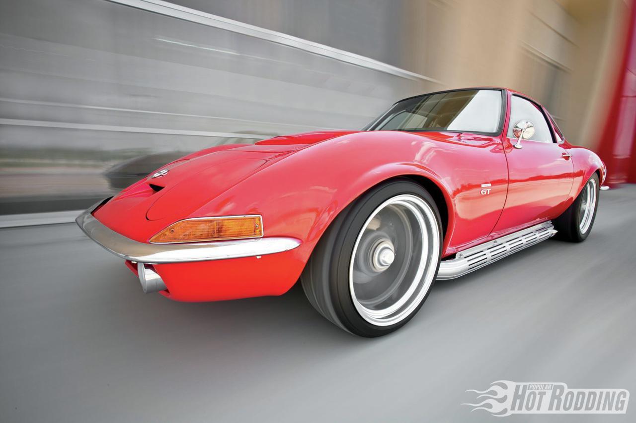 Opel GT... En V8, elle n'a jamais autant ressemblé à la Corvette ! 10