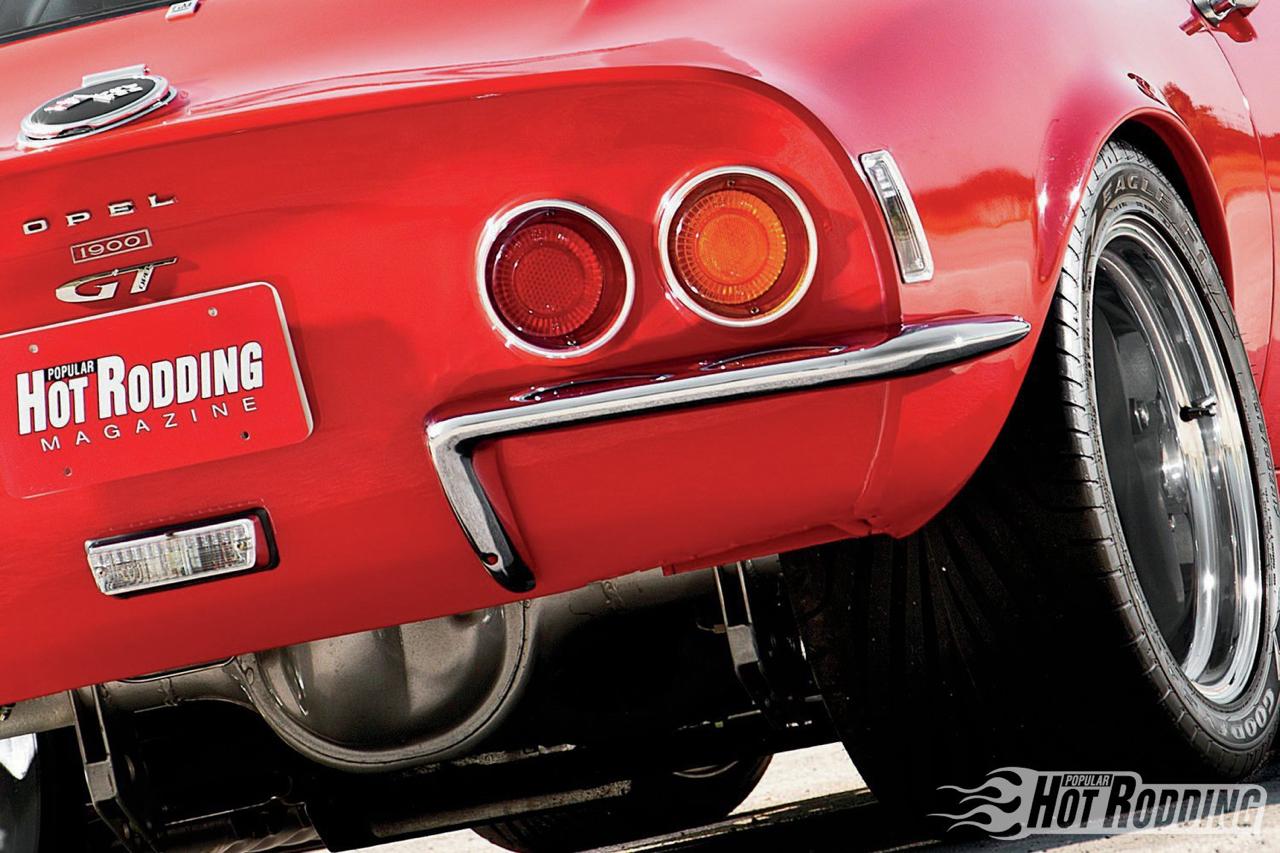Opel GT... En V8, elle n'a jamais autant ressemblé à la Corvette ! 3