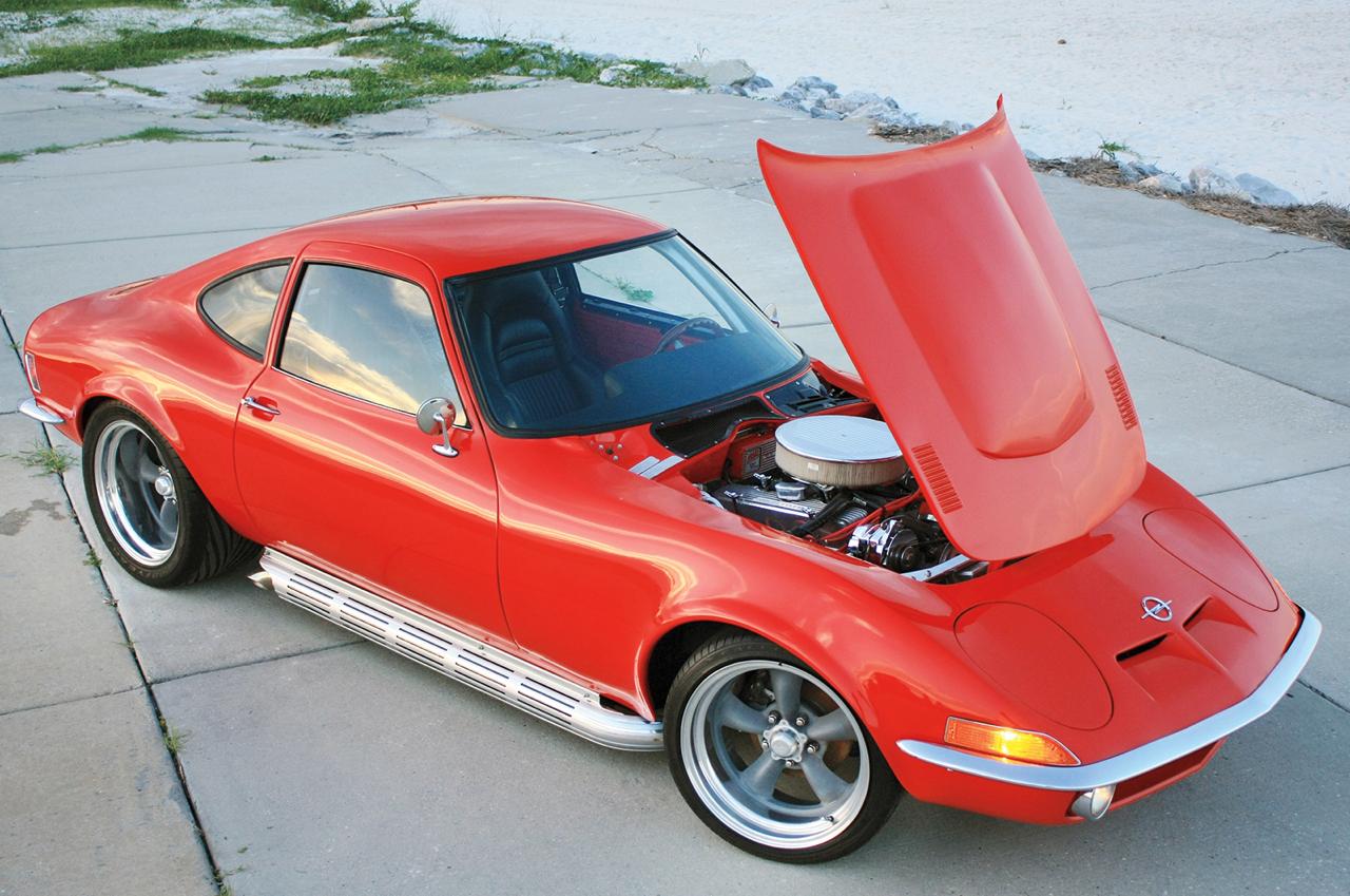 Opel GT... En V8, elle n'a jamais autant ressemblé à la Corvette ! 1