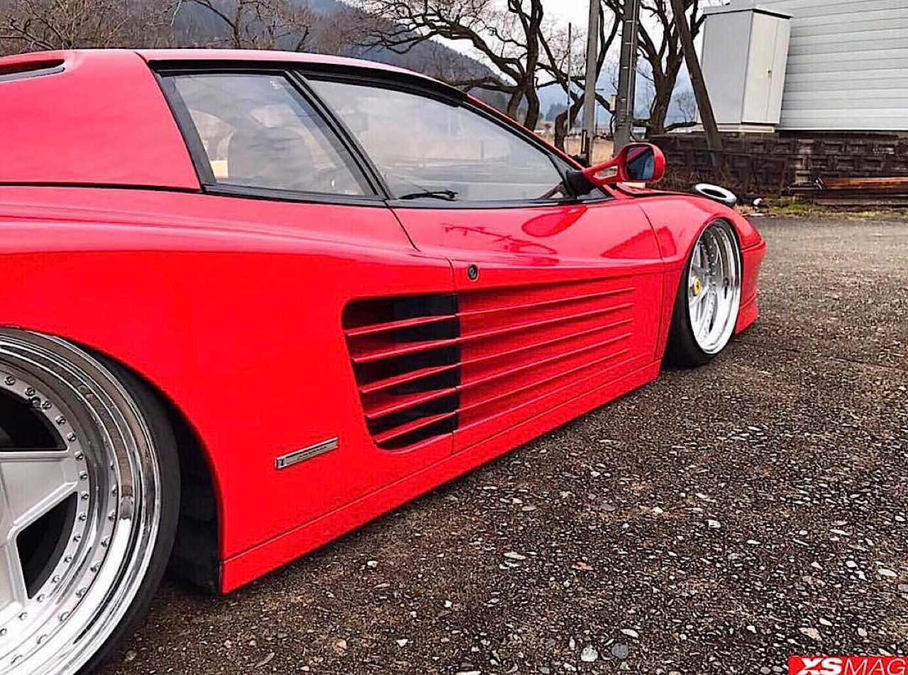 Ferrari Testarossa... Aïe, ça va encore piquer ! 8