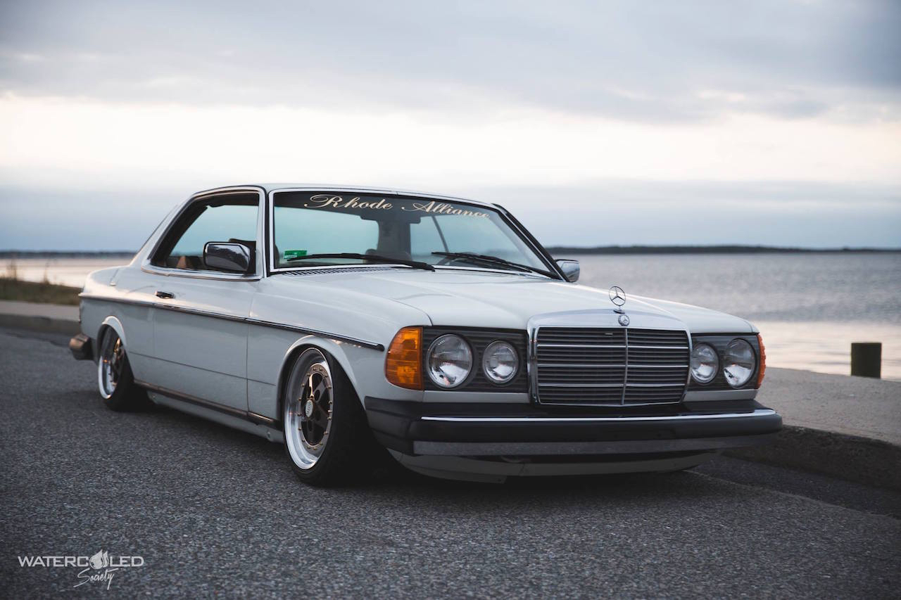 Mercedes 280 CE bagged... My classic is fantastic ! 24