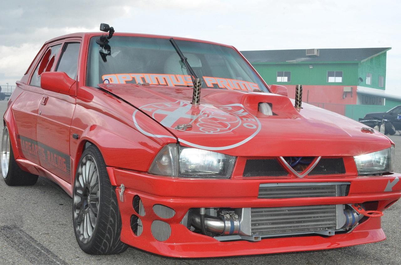 Alfa 75 V6 Biturbo - Ah ça drifte aussi ?! 3
