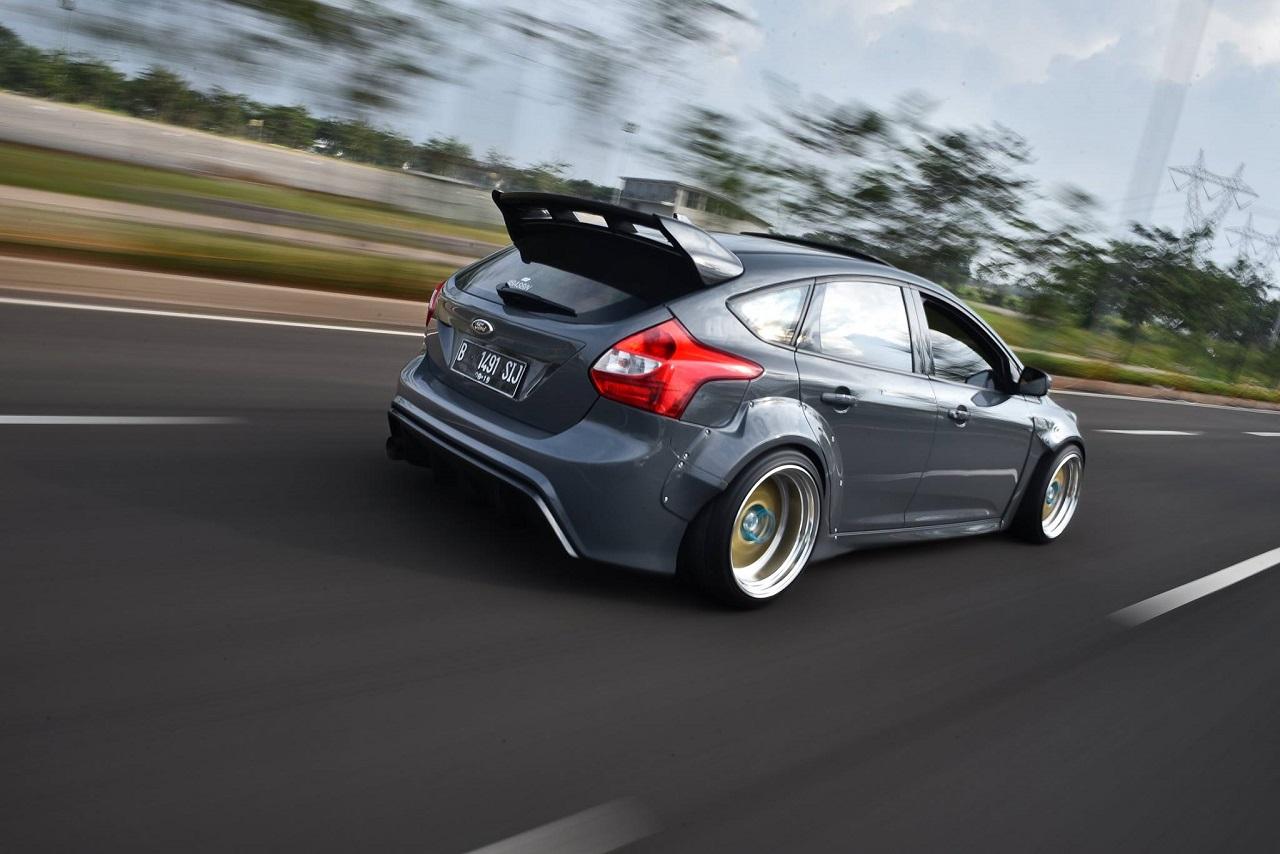 Ford Focus WideBody - Sobre et efficace... 30