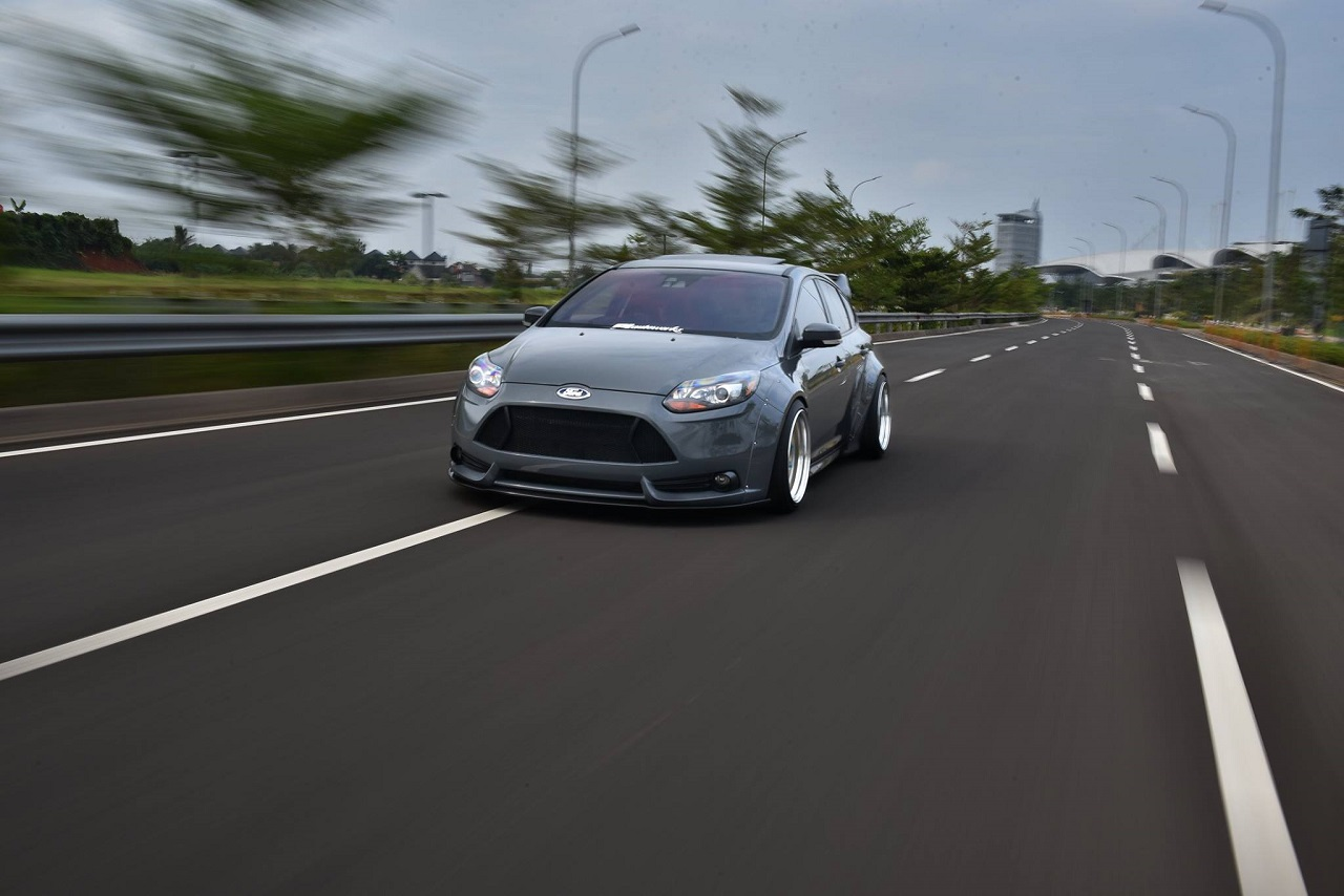 Ford Focus WideBody - Sobre et efficace... 23